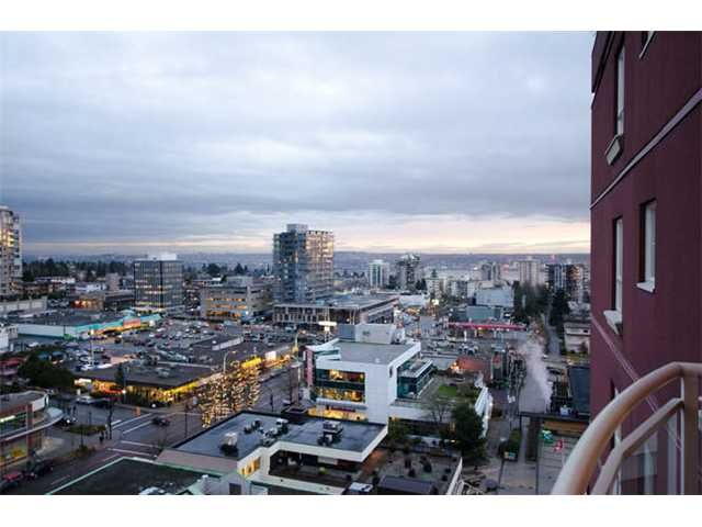 """Main Photo: 1404 121 W 15TH Street in North Vancouver: Central Lonsdale Condo for sale in """"ALEGRIA"""" : MLS®# V1102580"""
