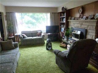 Photo 3: 6806 DOMAN Street in Vancouver: Killarney VE House for sale (Vancouver East)  : MLS®# V1138424