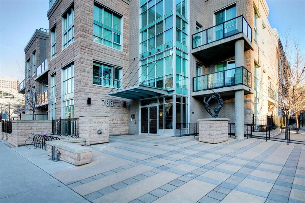 Main Photo: #305 788 12 Avenue SW in Calgary: Beltline Apartment for sale : MLS®# A1058912