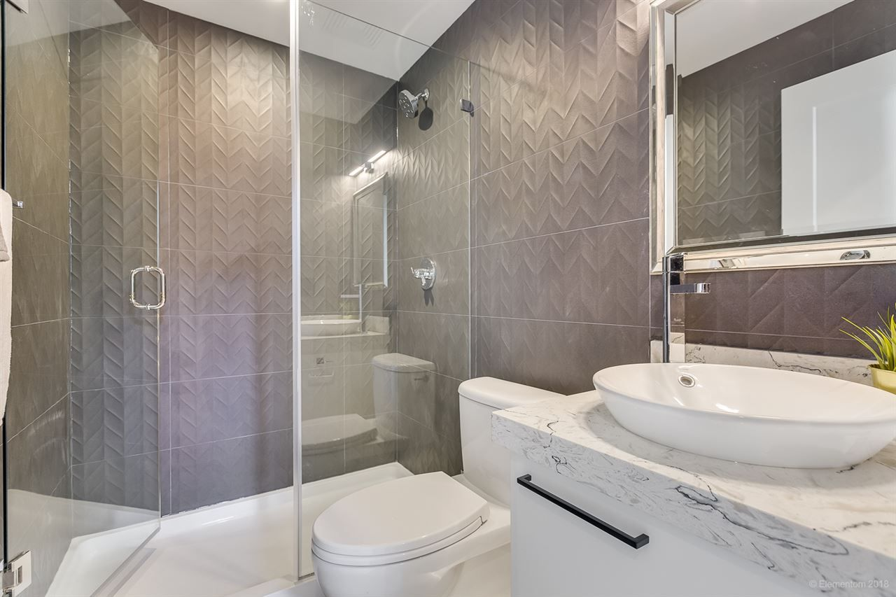 Photo 12: Photos: 850 PORTER Street in Coquitlam: Harbour Chines House for sale : MLS®# R2421865