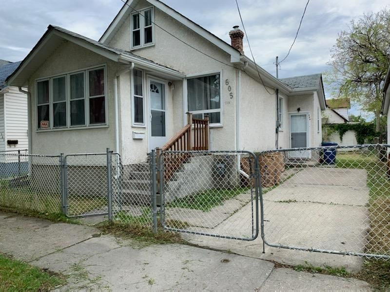 Main Photo: 605 Magnus Avenue in Winnipeg: North End Residential for sale (4A)  : MLS®# 202110440