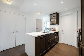 Photo 6: 1604 5515 BOUNDARY Road in Vancouver: Collingwood VE Condo for sale (Vancouver East)  : MLS®# R2571963