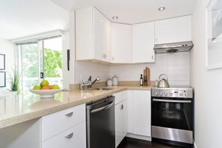 "Photo 6: 407 1500 HOWE Street in Vancouver: Yaletown Condo for sale in ""THE DISCOVERY"" (Vancouver West)  : MLS®# R2467509"