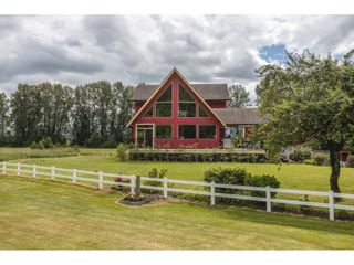 Main Photo: 40606 NORTH PARALLEL Road in Abbotsford: Sumas Prairie House for sale : MLS®# R2591576