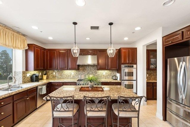 Photo 13: Photos: House for sale : 5 bedrooms : 1171 Adena Way in San Marcos