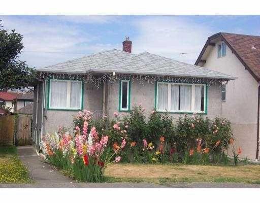Main Photo: 2419 E GEORGIA ST in Vancouver: Renfrew VE House for sale (Vancouver East)  : MLS®# V603517