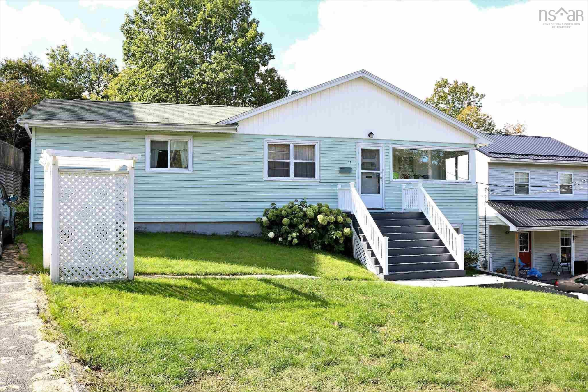 Main Photo: 22 Glenwood Avenue in Dartmouth: 12-Southdale, Manor Park Multi-Family for sale (Halifax-Dartmouth)  : MLS®# 202125195