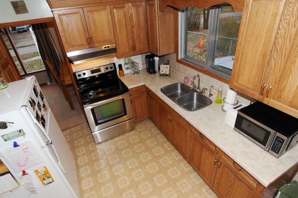 Photo 18: Photos: 407 Wallasey Street in WINNIPEG: Grace Hospital Area Single Family Detached for sale (West Winnipeg)  : MLS®# 1426170