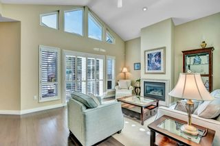 Photo 3: 15511 THRIFT Avenue: White Rock 1/2 Duplex for sale (South Surrey White Rock)  : MLS®# R2526609