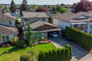 """Photo 2: 2314 WAKEFIELD Drive in Langley: Willoughby Heights House for sale in """"Langley Meadows"""" : MLS®# R2585438"""