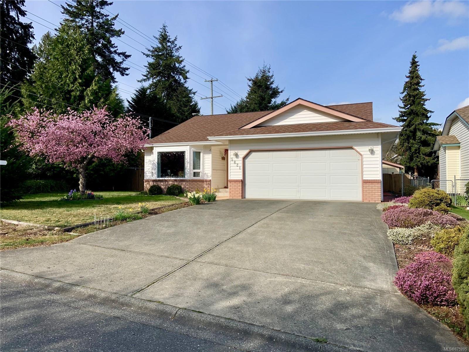 Main Photo: 5821 Brigantine Dr in : Na North Nanaimo House for sale (Nanaimo)  : MLS®# 875205