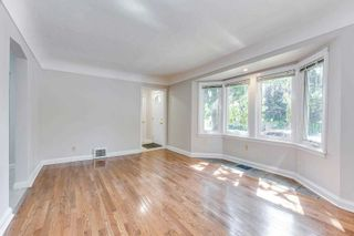 Photo 4: 269 E Queensdale Avenue in Hamilton: Eastmount House (1 1/2 Storey) for sale : MLS®# X5360840