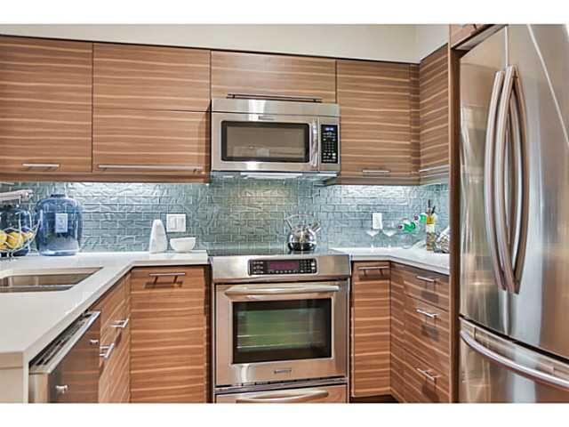 Photo 9: Photos: # 303 317 BEWICKE AV in North Vancouver: Hamilton Condo for sale : MLS®# V1105292