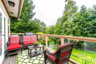 """Photo 11: 17 5201 OAKMOUNT Crescent in Burnaby: Oaklands Townhouse for sale in """"HARTLANDS"""" (Burnaby South)  : MLS®# R2099828"""