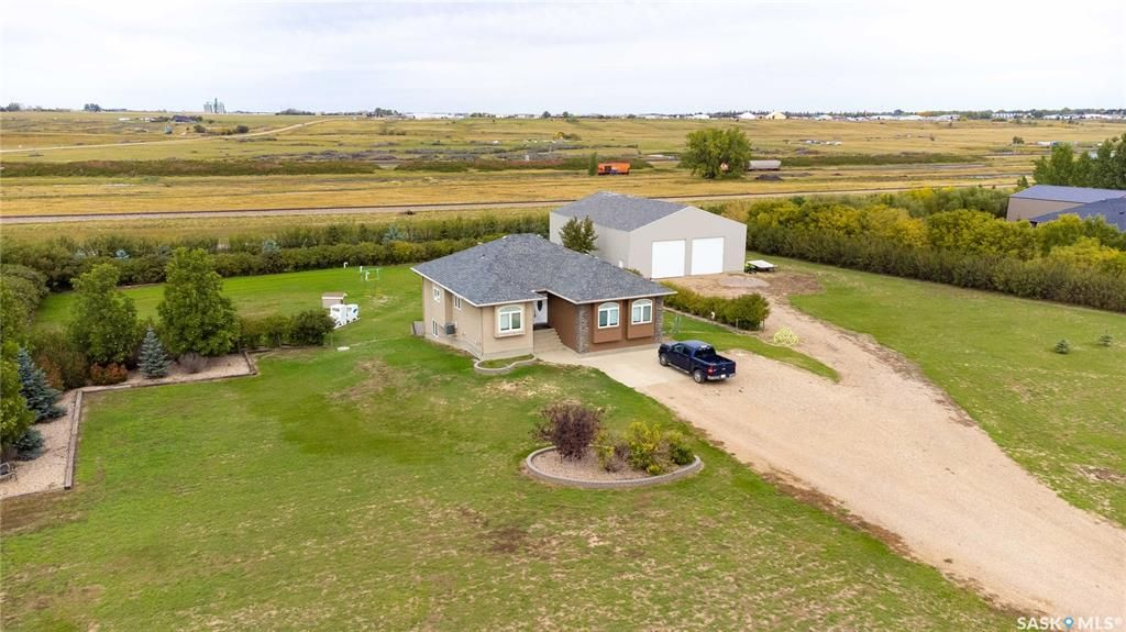 Main Photo: 42 Mustang Trail in Moose Jaw: Residential for sale (Moose Jaw Rm No. 161)  : MLS®# SK872334