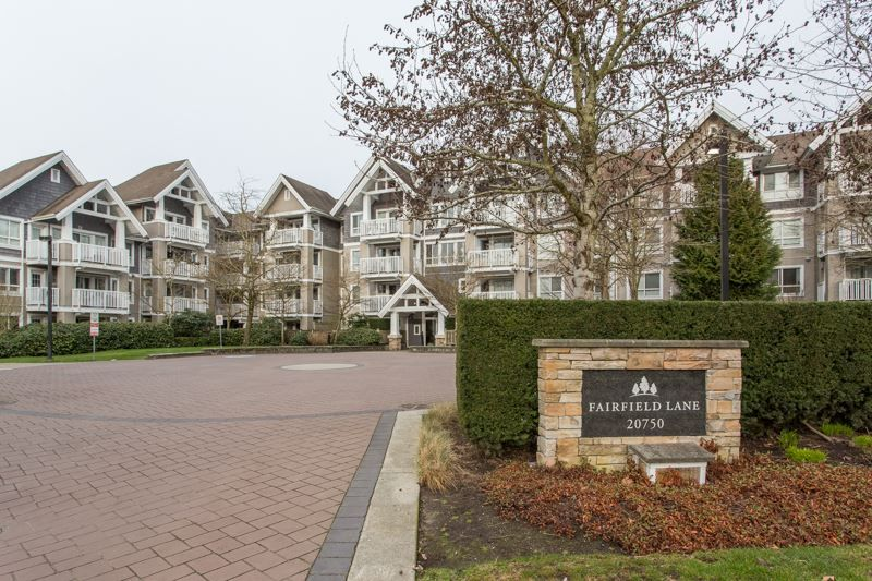 """Main Photo: 412 20750 DUNCAN Way in Langley: Langley City Condo for sale in """"Fairfield Lane"""" : MLS®# R2444787"""
