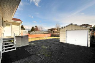 Photo 18: 4868 SMITH AVENUE in Burnaby: Central Park BS House for sale (Burnaby South)  : MLS®# R2141670