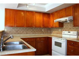 """Photo 4: 3354 FLAGSTAFF Place in Vancouver: Champlain Heights Townhouse for sale in """"COMPASS POINT"""" (Vancouver East)  : MLS®# V888514"""