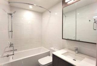 """Photo 13: 102 488 W 58TH Avenue in Vancouver: South Cambie Condo for sale in """"PARK HOUSE"""" (Vancouver West)  : MLS®# R2591785"""
