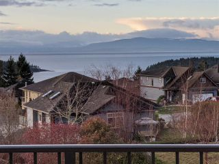 Photo 4: 6347 SAMRON Road in Sechelt: Sechelt District House for sale (Sunshine Coast)  : MLS®# R2426057