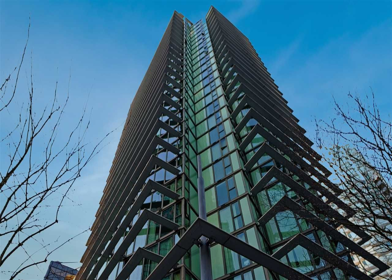 """Main Photo: 2106 1331 W GEORGIA Street in Vancouver: Coal Harbour Condo for sale in """"THE POINTE"""" (Vancouver West)  : MLS®# R2555682"""