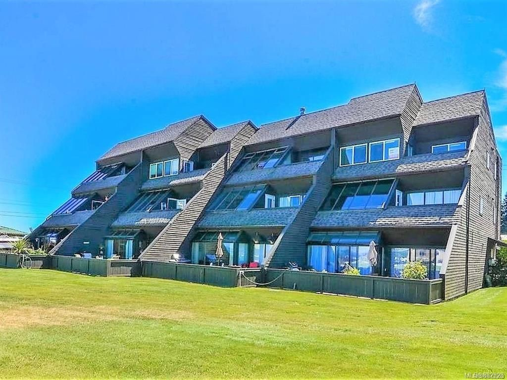 Main Photo: 102 2740 S Island Hwy in Campbell River: CR Willow Point Condo for sale : MLS®# 882828