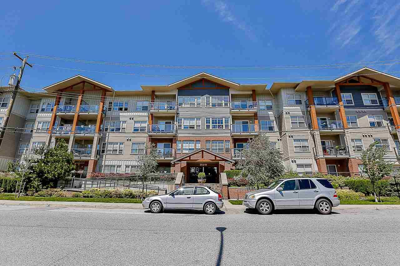 """Main Photo: 308 20219 54A Avenue in Langley: Langley City Condo for sale in """"Suede"""" : MLS®# R2526047"""