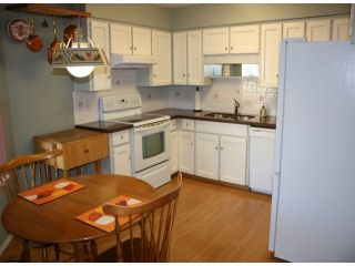 """Photo 2: 43 2962 NELSON Place in Abbotsford: Central Abbotsford Townhouse for sale in """"Willband Creek Park"""" : MLS®# F1228142"""