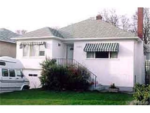 Main Photo: 2448 Hamiota St in VICTORIA: OB Estevan House for sale (Oak Bay)  : MLS®# 178914
