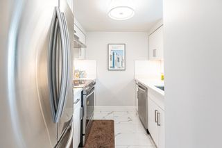 Photo 8: 2205 1238 MELVILLE Street in Vancouver: Coal Harbour Condo for sale (Vancouver West)  : MLS®# R2625071