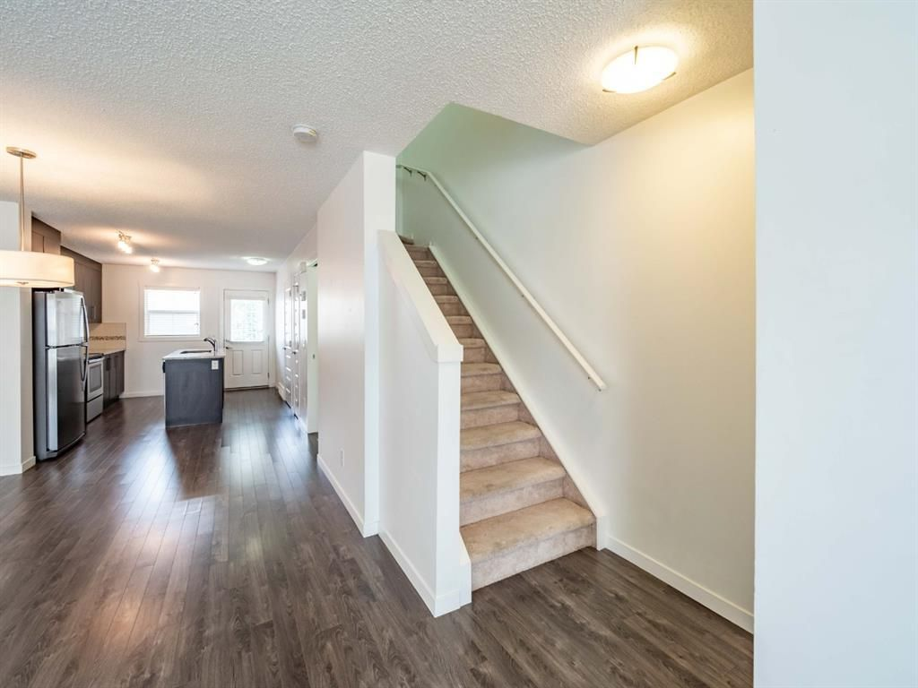 Photo 11: Photos: 544 Mckenzie Towne Close SE in Calgary: McKenzie Towne Row/Townhouse for sale : MLS®# A1128660
