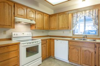 "Photo 3: 35 7525 MARTIN Place in Mission: Mission BC Townhouse for sale in ""LUTHER PLACE"" : MLS®# R2397624"