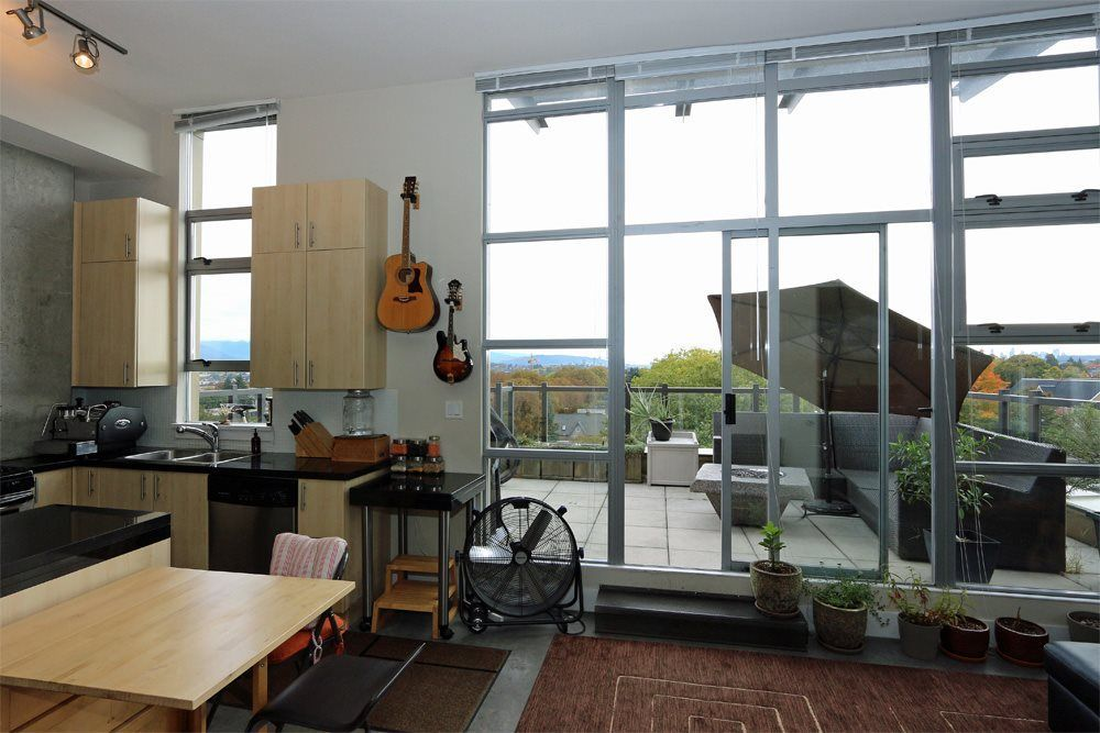 """Main Photo: 601 2635 PRINCE EDWARD Street in Vancouver: Mount Pleasant VE Condo for sale in """"SOMA LOFTS"""" (Vancouver East)  : MLS®# R2214903"""