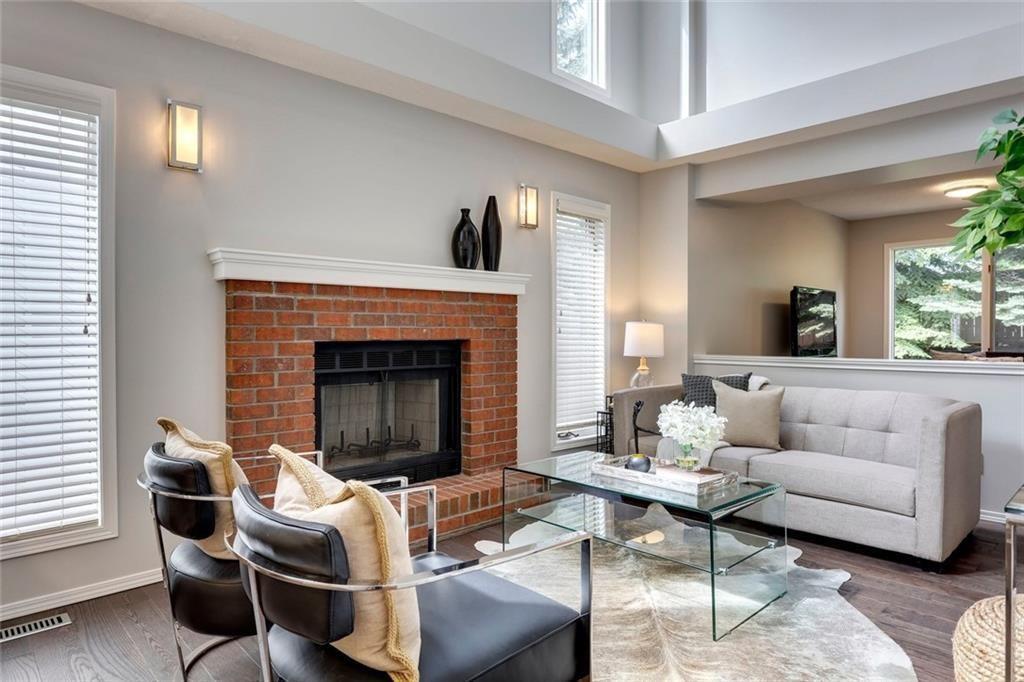 Main Photo: 238 SIERRA VISTA Terrace SW in Calgary: Signal Hill Detached for sale : MLS®# C4254896