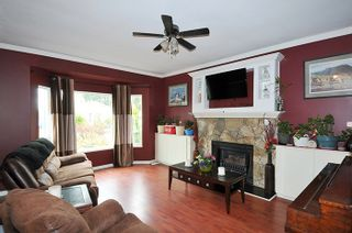 Photo 2: 20168 WANSTEAD Street in Maple Ridge: Southwest Maple Ridge House for sale : MLS®# R2154902