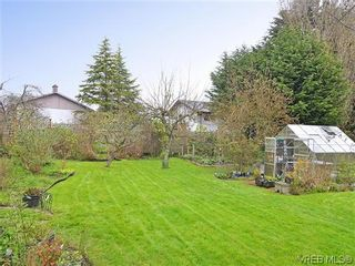 Photo 17: 966 Snowdrop Ave in VICTORIA: SW Marigold House for sale (Saanich West)  : MLS®# 638432
