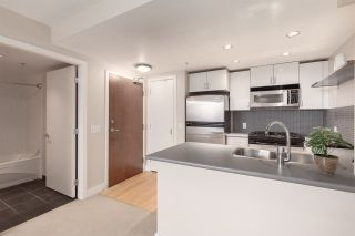 """Photo 9: 1201 155 W 1ST Street in North Vancouver: Lower Lonsdale Condo for sale in """"TIME"""" : MLS®# R2388200"""