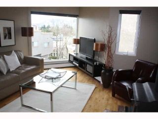 "Photo 1: 57 870 W 7TH Avenue in Vancouver: Fairview VW Townhouse for sale in ""LAUREL COURT"" (Vancouver West)  : MLS®# V817515"