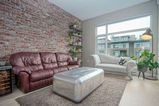 """Photo 1: 308 262 SALTER Street in New Westminster: Queensborough Condo for sale in """"PORTAGE"""" : MLS®# R2413494"""