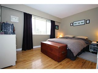 """Photo 6: 5125 MASSEY Place in Ladner: Ladner Elementary House for sale in """"LADNER ELEMENTARY"""" : MLS®# V995377"""