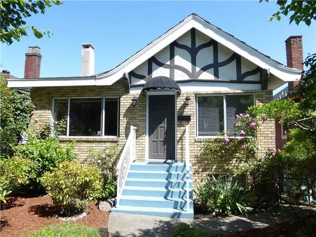 """Main Photo: 2727 FRANKLIN Street in Vancouver: Hastings East House for sale in """"HASTINGS SUNRISE"""" (Vancouver East)  : MLS®# V1128916"""