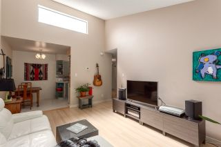 """Photo 4: 308 1515 E 5TH Avenue in Vancouver: Grandview VE Condo for sale in """"Woodland Place"""" (Vancouver East)  : MLS®# R2202256"""