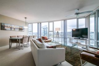 """Photo 5: 2103 583 BEACH Crescent in Vancouver: Yaletown Condo for sale in """"PARK WEST TWO"""" (Vancouver West)  : MLS®# R2361220"""