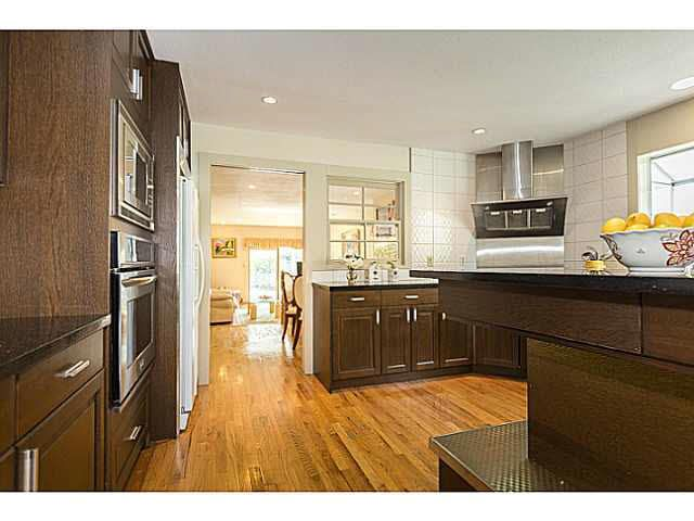 """Photo 9: Photos: 5825 MAPLE Street in Vancouver: Kerrisdale House for sale in """"KERRISDALE"""" (Vancouver West)  : MLS®# V1113298"""