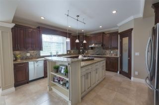 """Photo 3: 16368 58A Avenue in Surrey: Cloverdale BC House for sale in """"Highlands"""" (Cloverdale)  : MLS®# R2424070"""