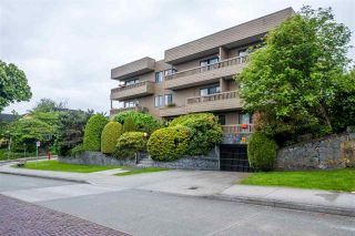 """Photo 3: 103 2100 W 3RD Avenue in Vancouver: Kitsilano Condo for sale in """"PANORAMA PLACE"""" (Vancouver West)  : MLS®# R2457956"""