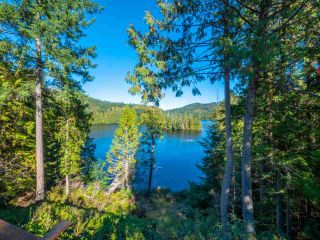 """Photo 27: 13702 CAMP BURLEY Road in Garden Bay: Pender Harbour Egmont House for sale in """"Mixal Lake"""" (Sunshine Coast)  : MLS®# R2485235"""
