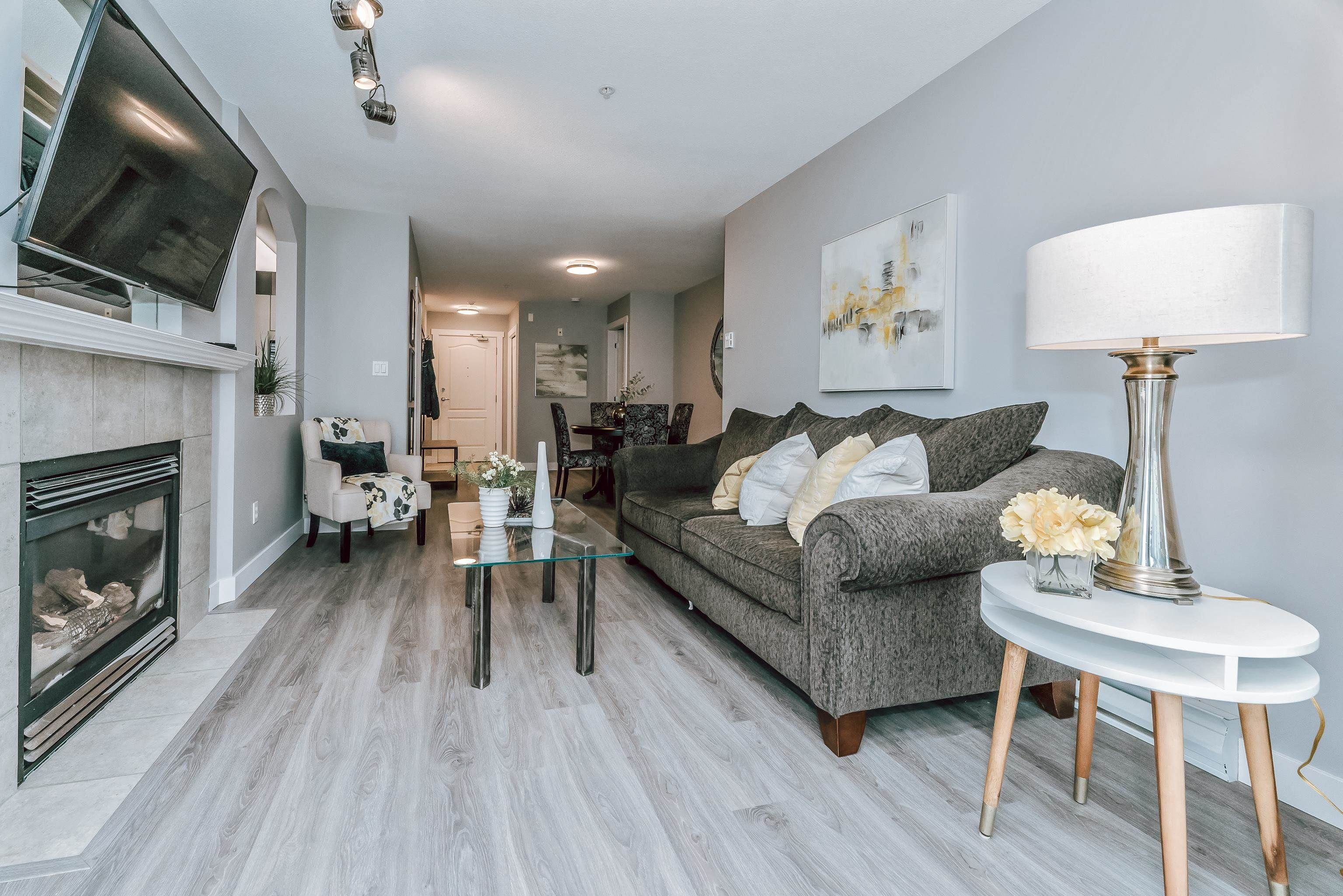 """Photo 4: Photos: 407 22022 49 Avenue in Langley: Murrayville Condo for sale in """"Murray Green"""" : MLS®# R2613823"""