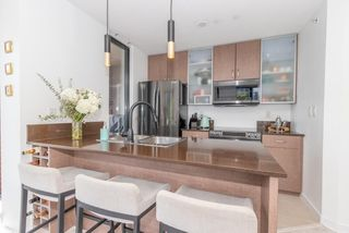 """Photo 14: 604 909 MAINLAND Street in Vancouver: Yaletown Condo for sale in """"YAELTOWN PARK II"""" (Vancouver West)  : MLS®# R2617490"""