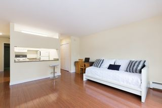 """Photo 5: 214 436 SEVENTH Street in New Westminster: Uptown NW Condo for sale in """"Regency Court"""" : MLS®# R2289839"""